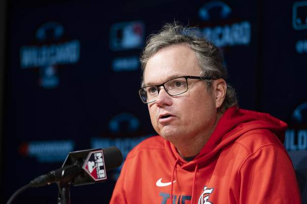 St. Louis Cardinals manager Mike Shildt responds to a question during a baseball news conference in Los Angeles, Tuesday, Oct. 5, 2021. (AP Photo/Kyusung Gong)